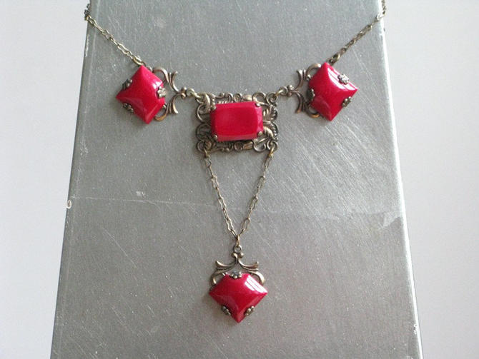 Antique Art Deco Red Glass Necklace by circlethesquare