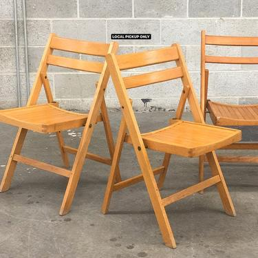 LOCAL PICKUP ONLY ———— Vintage Slatted Folding Chairs by RetrospectVintage215
