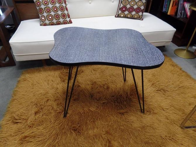 Mid-Century Modern amoeba shaped side table