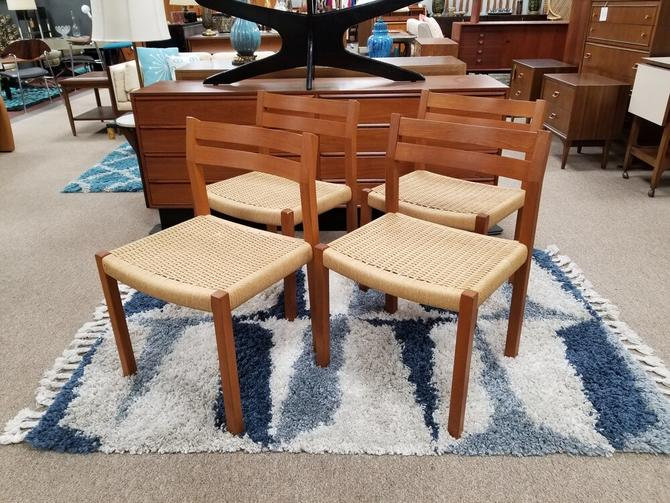 Set of four Danish Modern dining chair with woven seats by Moeller