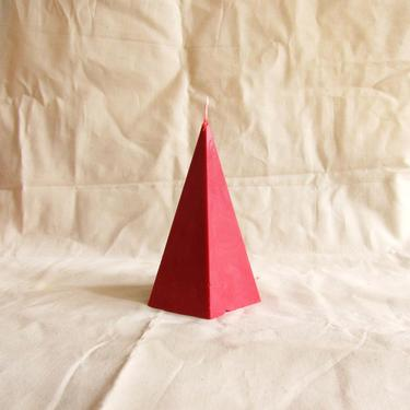 Pyramid Pillar Candle (red) by SkiinTones