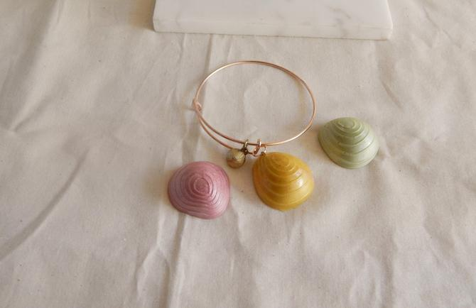 Oyster Seashell Charm Bracelet by SkiinTones
