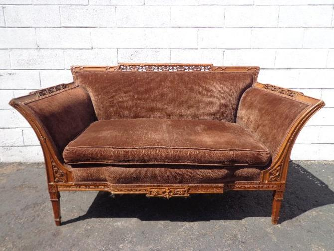Antique Loveseat Chasie Lounge Sofa Settee Victorian Velvet Chair Baroque Rococo French Provincial France Lounge Bedroom Hollywood Regency by DejaVuDecors