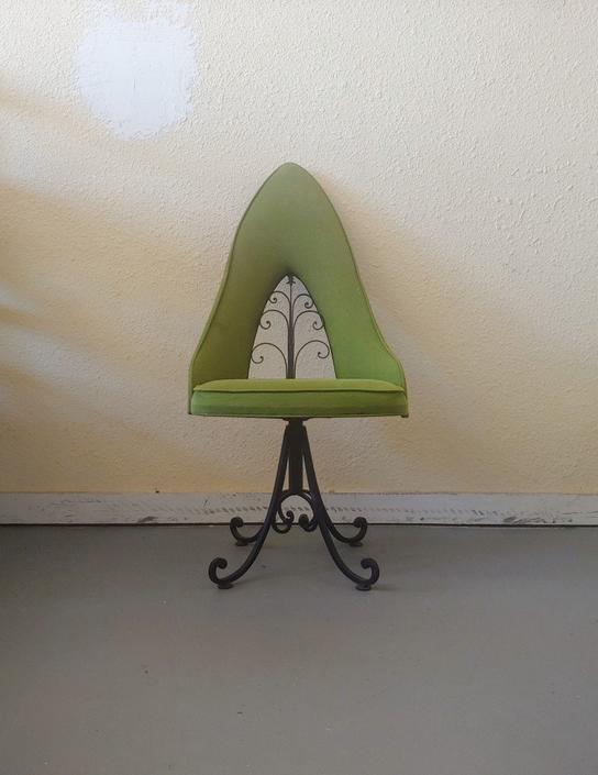 Vintage Antarenni Regency Accent Swivel Chair by ModandOzzie