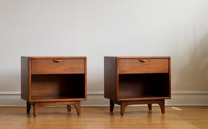 Pair of Refinished Mid Century Modern Lane Perception Nightstands by SharkGravy
