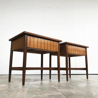 Mid Century Richardson Nemschoff nightstands or en