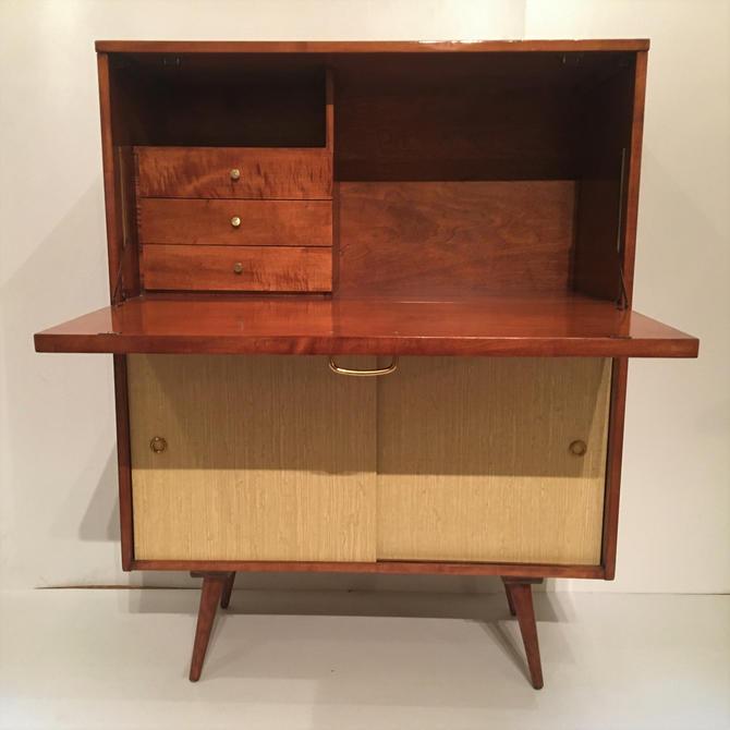 Paul McCobb Planner Group Secretary Desk c.1955 by ClassicAntiquesPHL
