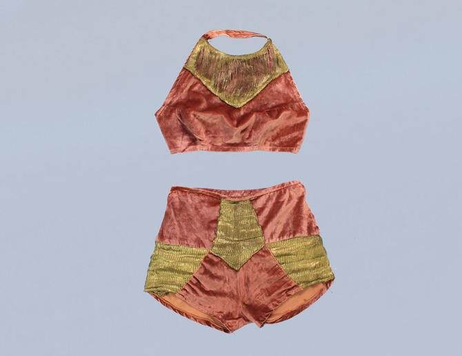 RARE! 1930s Stage Costume / 20s - 30s Pink Velvet and Gold Bra Top and Panties Shorts Set by GuermantesVintage