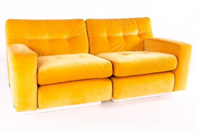 Jack Cartwright for Founders Mid Century Sectional Fiberglass Sofa - mcm by ModernHill