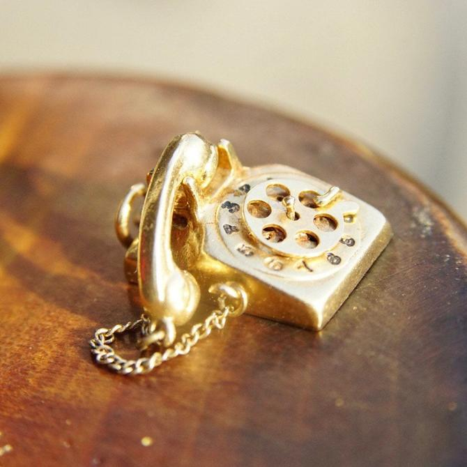 Vintage 14K Yellow Gold Rotary Phone Pendant, 3D Moveable Telephone Charm, Detachable Phone W/ Cord, Old School Phone Charm/Pendant, 585 by shopGoodsVintage