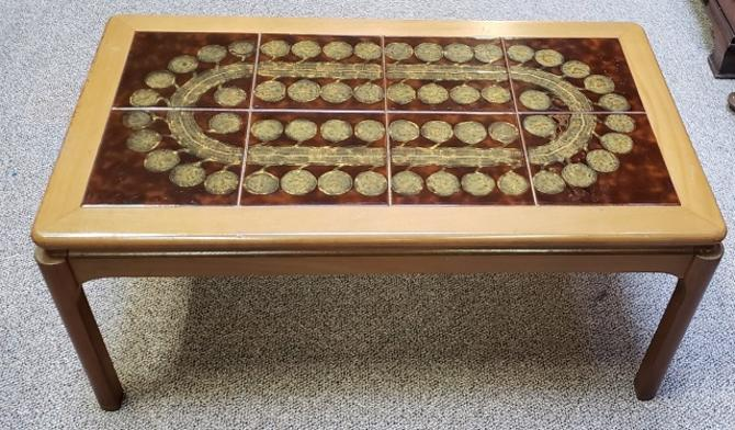 Item 3S78 Vintage Glazed Ceramic Tile Coffee Table c.1970s