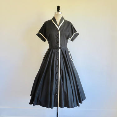 """Vintage 1950's Black and White Cotton Fit and Flare Day Dress Full Skirt Piping Trim Belt Rockabilly Swing Kay Windsor 30"""" Waist Medium by seekcollect"""