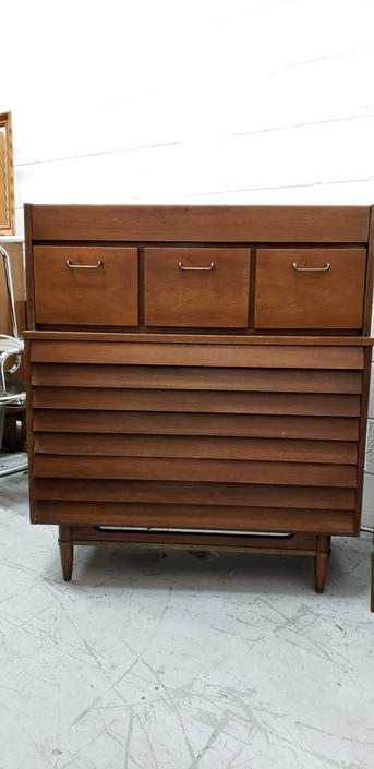American of Martinsville Dania Tall Chest