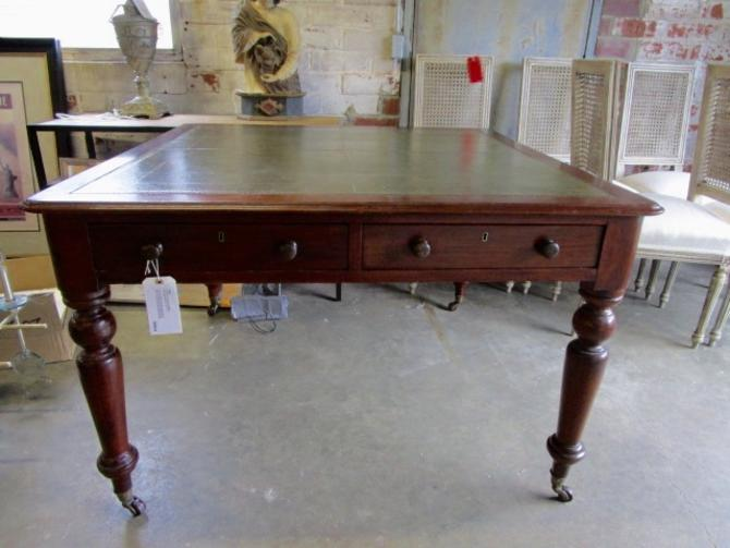ANTIQUE ENGLISH MAHOGANY LIBRARY TABLE WITH TOOLED LEATHER TOP