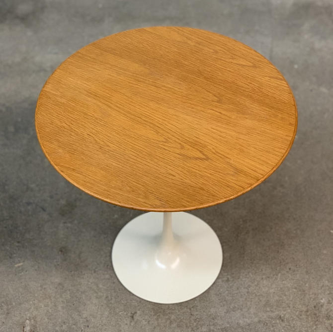 Eero Saarinen Oak Tulip Side Table by Knoll by midcenTree