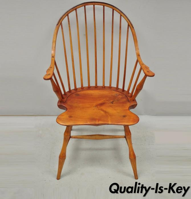 Antique D.R. Dimes Wooden Windsor Bow Back Continuous Arm Dining Chair (A)