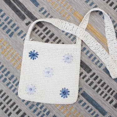 Vintage Early 2000s Y2K Crochet Crossbody Bag - White & Blue Floral Daisy Boho Straw Purse by SecondShiftVintage