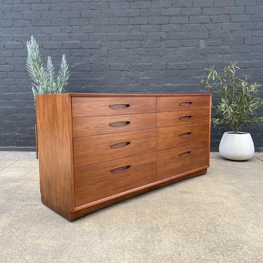 Mid-Century Modern Walnut 8-Drawer Dresser by Henredon Furniture, c.1950s by VintageSupplyLA