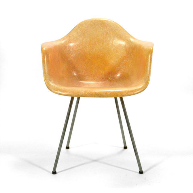 Eames DAX by Zenith Plastics with Rope Edge