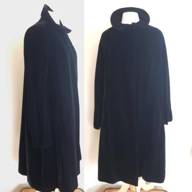 1950s Black Velvet Opera Coat / 50s Dressy Evening Swing Coat A Line / L or Plus Size / Veronique by RareJuleVintage