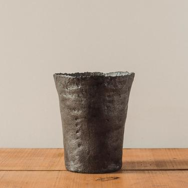 Jojo Corväiá Volcanic Pot, V-0555