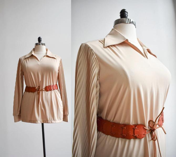 1970s Accordion Sleeve Blouse by milkandice