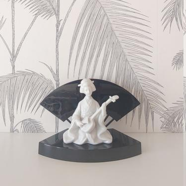 Vintage Geisha Statue with Decorative Stand, Black Lacquer, made in Japan, circa 60's by DecoDiscoDecor