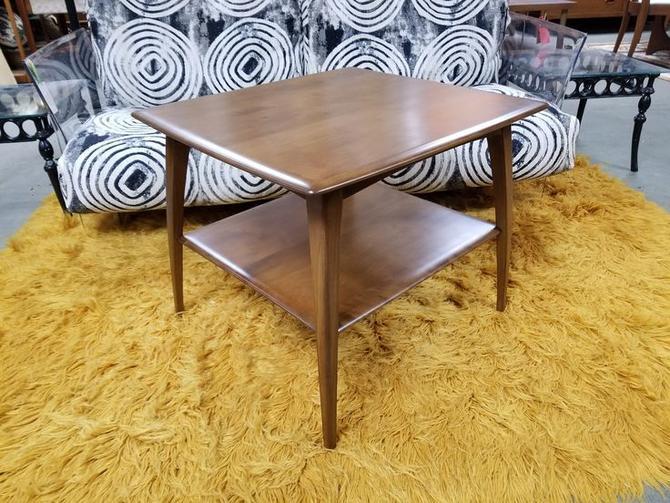Mid-Century Modern side table by Heywood Wakefield
