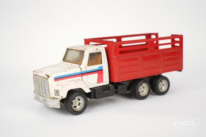 ERTL International Toy Truck