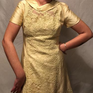 1960s Daffodil Yellow Shantung Silk Cocktail Dress w/Front Lace Detail and Cowl Neck    Cap Sleeves    Jackie O.    Size M by CelosaVintage