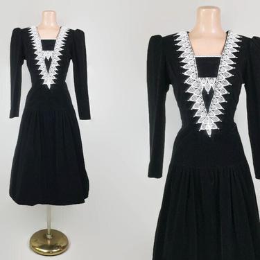VINTAGE 80s Drop Waist Black Velvet Dress With Crochet Collar | 1980s Dark Academia Gothic Doll Long Sleeve Dress | Modest Dress | Size 5 by IntrigueU4Ever