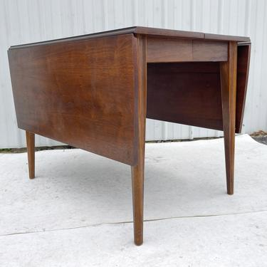 Mid-Century Modern Drop Leaf Dining Table w/ Leaves by secondhandstory