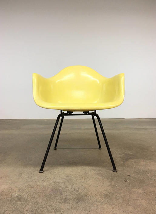 Herman Miller | Zenith Lemon Yellow Armshell | Eames by midcenTree