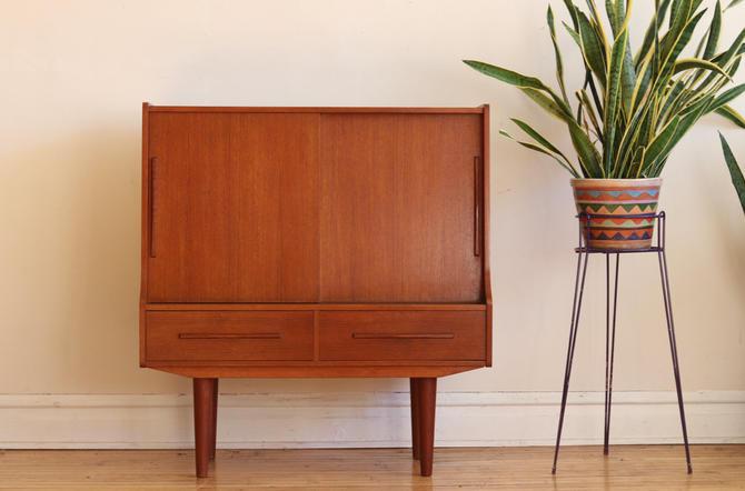 Mid Century Danish Modern Small Bar Cabinet by SharkGravy