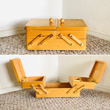Vintage Sewing Basket, Sewing Box, Knitting Storage, Crochet Storage, Mid Century Sewing Basket, Wooden Sewing Basket, Accordion Sewing Box by dadacat
