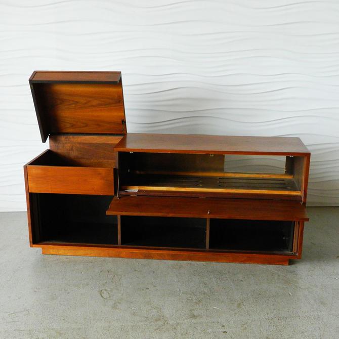 HA-18116 Teak Stereo Cabinet