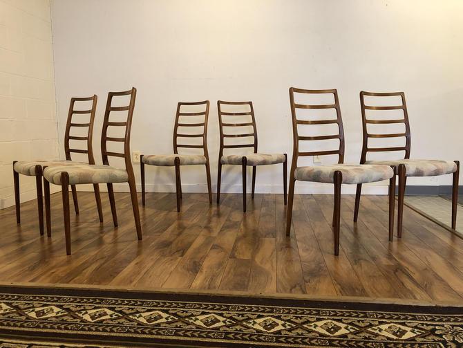 JL Moller Model 82 Rosewood Dining Chairs, Set of 6 by Vintagefurnitureetc