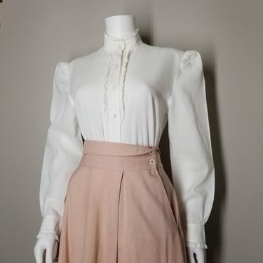 Vintage 70s White High Neck Blouse, Medium / Linen Prairie Blouse / Pointy Shoulder Victorian Button Shirt / Retro 1970s Renaissance Blouse by SoughtClothier