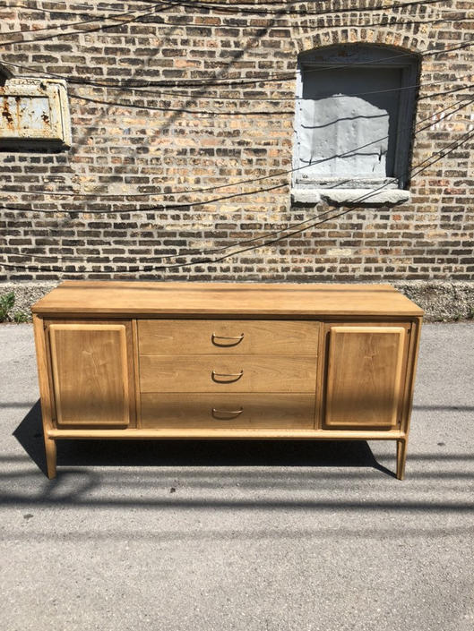 Available for Custom Refinishing//Mid Century Modern Credenza by Broyhill//Vintage MCM Media Console//Modern Sideboard/Dresser/Buffet by RavenswoodRevival