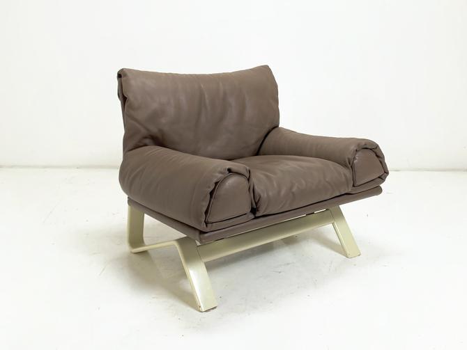 Italian Leather Armchair by BetsuStudio