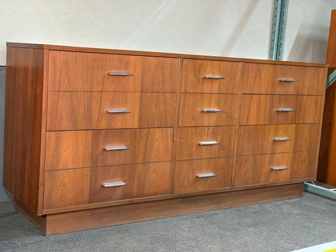 Tollins furniture vintage bedroom set