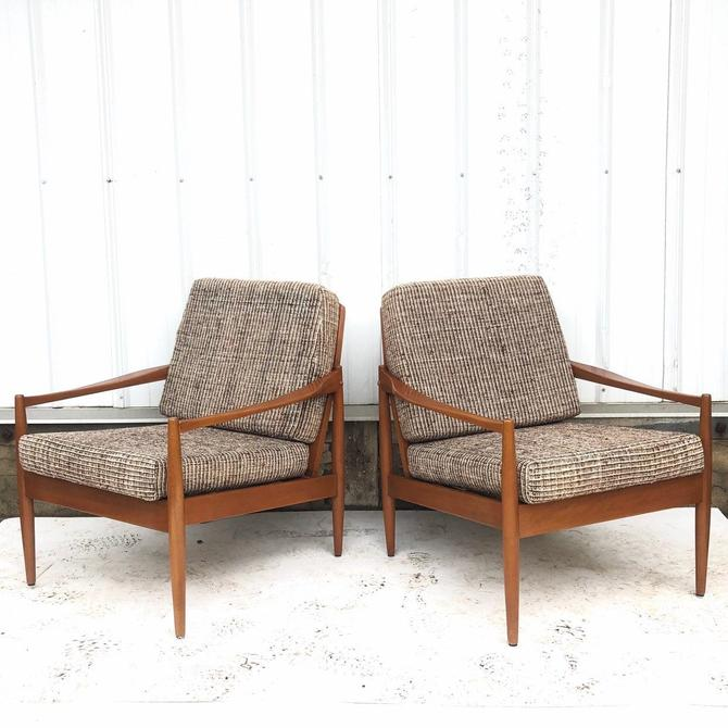 Mid-Century Modern Lounge Chairs- a Pair by secondhandstory