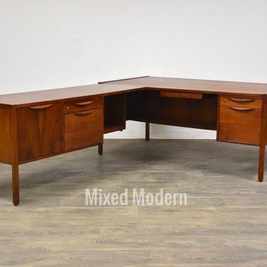 Jens Risom Walnut Mid Century L-Shaped Desk by mixedmodern1