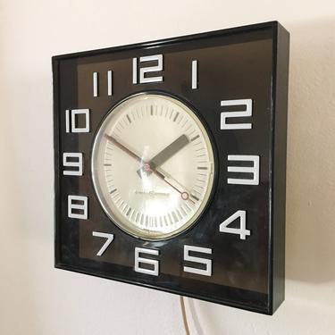 American Modern Graphic Wall Clock by General Electric Pop Art Rare Smoke Tone Typography Helvetica 1960s USA Vintage Krups by CaribeCasualShop