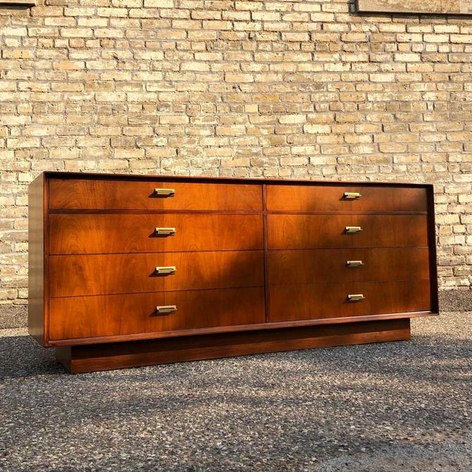 Founders Furniture 8-drawer Dresser