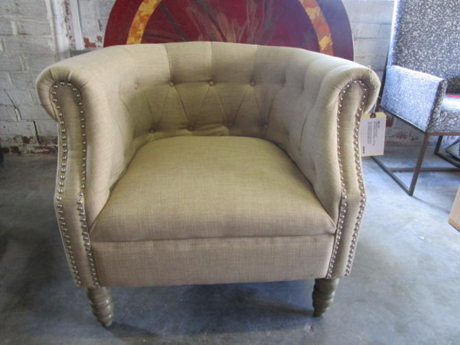 TUFTED ACCENT CHAIR IN SAND LINEN