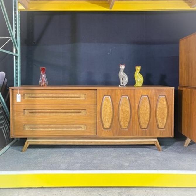 Young Furniture Dresser/Credenza