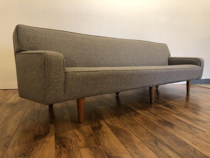 Hans Wegner A.P. Stolen AP 33 Sofa