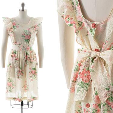 Vintage 1940s Sundress   40s Floral Printed Cotton Seersucker Pinafore Full Skirt Button Back Tie Waist Day Dress with Pockets (medium) by BirthdayLifeVintage