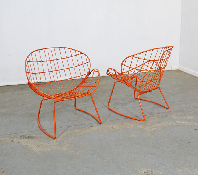Pair of Mid-Century Modern Salterini Style Clam Shell Outdoor Patio Chairs by AnnexMarketplace